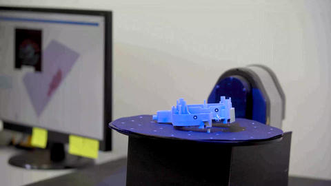 technically professional machine for 3D scanning and measurement of plastic Live Action