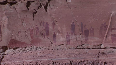 A slow zoom into ancient and mysterious giant petroglyphs... Stock Video Footage