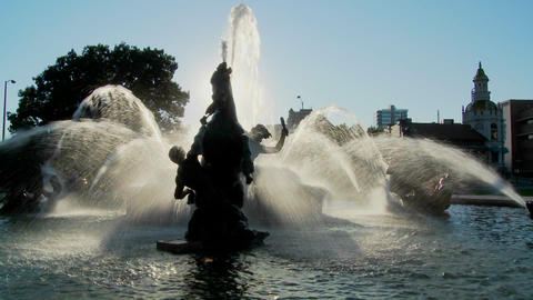 A downtown fountain in Kansas City with buildings background Stock Video Footage