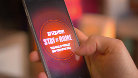 Emergency message Stay Home on the phone in 4K Acción en vivo