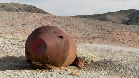 What looks like an old space capsule has crash landed in the desert Footage
