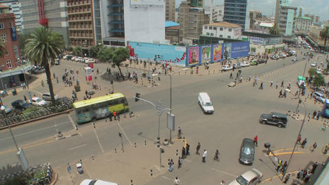 Wide angle shot of a very busy intersection in downtown... Stock Video Footage