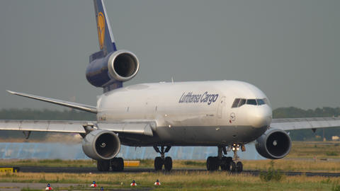 Lufthansa Cargo MD-11 taxiing before departure Live Action