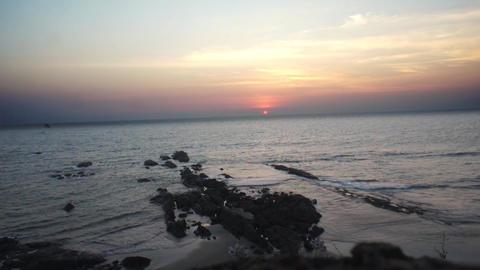 Tilted ocean sunset Live Action