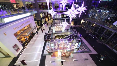 MANHATTAN, USA - DECEMBER 5, 2018: Interior view of Shopping Center in Manhattan Live Action