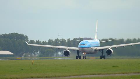KLM Airbus A330 departure Live Action