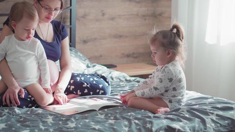 Pregnancy, motherhood, family, childhood, upbringing, training, self-isolation Live Action