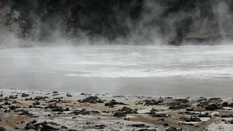 Yellowstone Mud Vulcano P HD 2335 Live Action