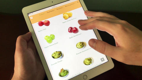 Formation of an online order for the purchase of fruits and vegetables in an Live Action