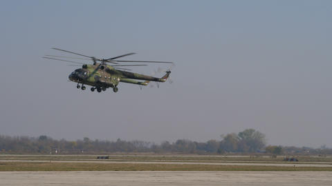 Mil Mi-17 Hip Helicopters for troop transport arrive on the battlefield Live Action