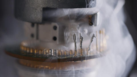 Cold vapors of liquid Nitrogen over electronic components and sensors Live Action