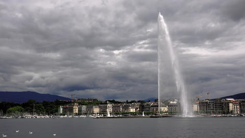 Geneva lake and it's famous water fountain Live Action