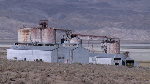 An abandoned mining operation in the Owens Valley near... Stock Video Footage