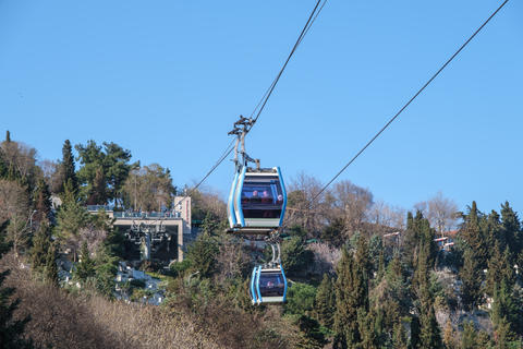 Teleferic cable car in Eyup, istanbul. Access to the famous Pierre Loti Hill is provided by cable Fotografía