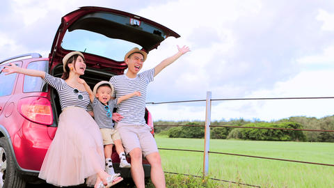 Happy family on road trip and enjoy summer vacation Live Action