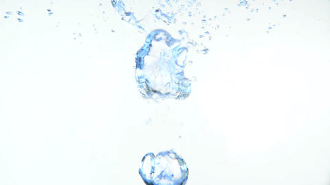 Bubbles in water 2 Acción en vivo