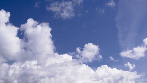 clouds on a beautiful blue sky: timelapse Footage