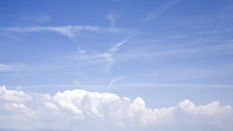 clouds on a blue sky: timelapse Live Action