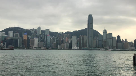 Hong Kong, China, A large body of water with Victoria Harbour in the background Acción en vivo