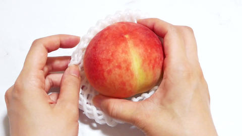 Get the peaches out of the net/fruit cap ライブ動画