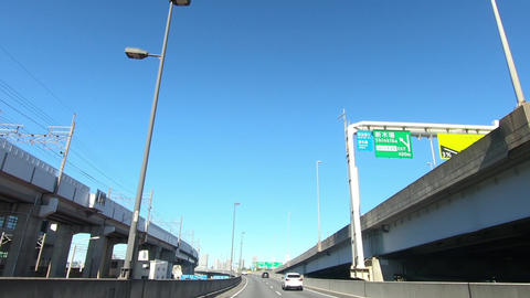 A straight national road that runs parallel to the railway Acción en vivo