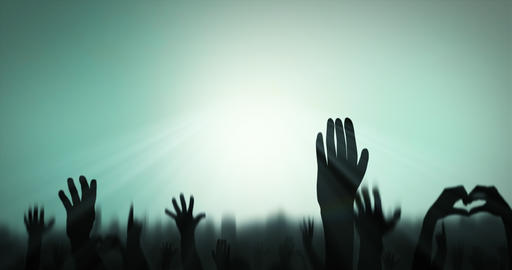Sillhouettes of crowd celebrating against color changing background - Loop Videos animados