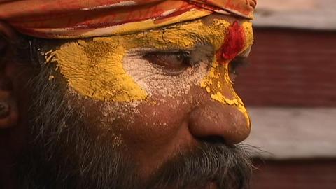 Hindu Sadhu - (Holy man) chanting at Pashupati Temple in... Stock Video Footage