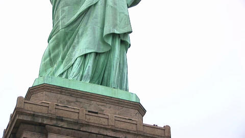 The camera pans from the museum base up the Statue of... Stock Video Footage