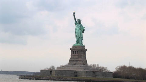 The Statue of Liberty looks breathtaking in any light Stock Video Footage