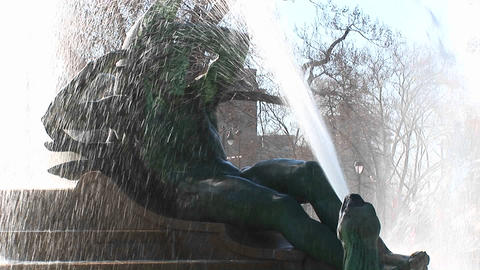 Close up of a water fountain in downtown Philadelphia Stock Video Footage