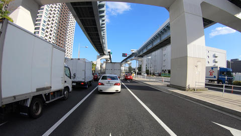A pov timelapse of driving cityscape at Kachidoki avenue in Tokyo Acción en vivo