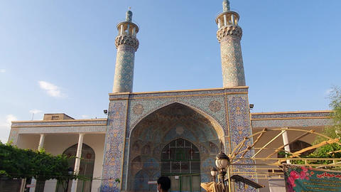 Crowds and crowds in the traditional market and mosque ライブ動画