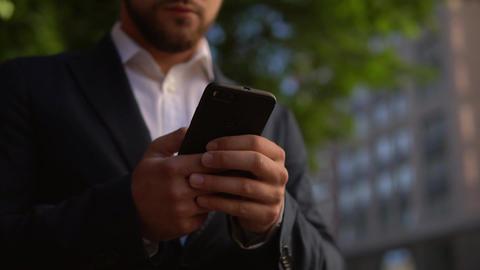 elegant entrepreneur messaging mobile Live Action