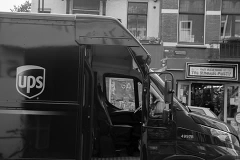 Side View Of A UPS Delivery Truck At Amsterdam The Netherlands 16-7-2020 フォト
