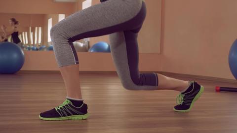 sportswoman intense physical exercise for quadriceps legs ライブ動画