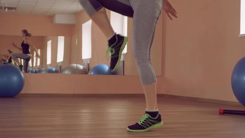 beautiful female intense physical aerobic ライブ動画