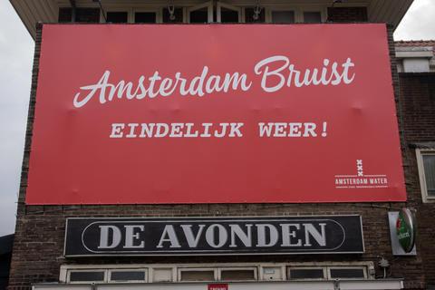 Billboard Cafe De Avonden Amsterdam Bruist Eindelijk Weer At Amsterdam The Netherlands 14-6-2020 フォト