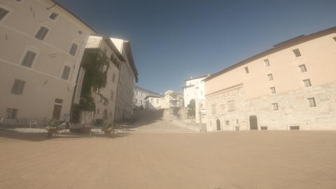 square of cathedral in the center of the town of spoleto ライブ動画