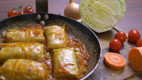 Cabbage rolls with tomato sauce Live Action