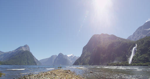 Milford Sound Waterfall in and Mitre Peak Fiordland National Park, New Zealand ライブ動画