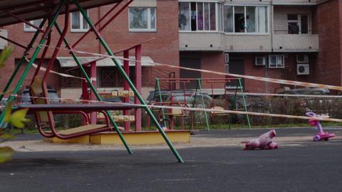 The childrens playground closed covid Acción en vivo