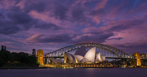 Timelapse of a Sunset over Sydney Opera House and Harbour Bridge, Australia Acción en vivo