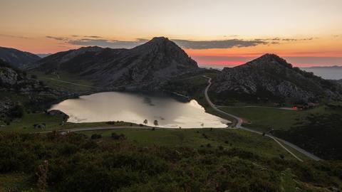 Sunset Enol Lake, Picos de Europa National Park, Spain - Timelapse Live Action