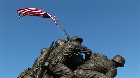 The Iwo Jima Marine Corps Memorial stands tall and proud Stock Video Footage