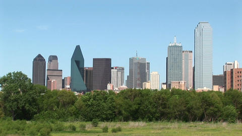 Pan-right of the Dallas, Texas skyline Stock Video Footage