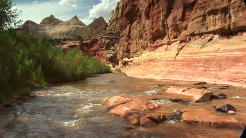 Medium shot of the Freemont River run through the canyons... Stock Video Footage
