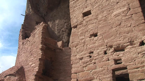Medium shot of ruins of Native American cliff dwellings... Stock Video Footage