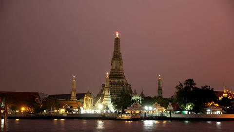 Wat Arun (Temple Of Dawn) Time Lapse Footage