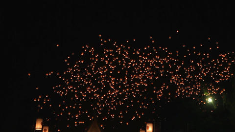 Release floating lanterns to the sky , Lantern festival Live Action