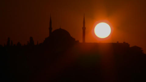 Beautiful sunset behind a mosque in Istanbul, Turk Footage